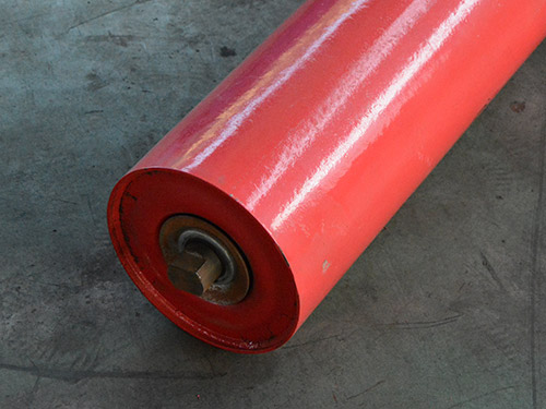 The roller of backing paint